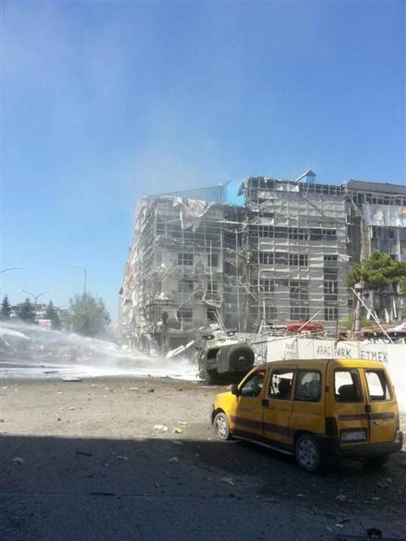 Van'da büyük patlama, Patlama anları, Çok sayıda yaralı